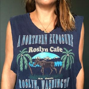 Tops - 🍌 A Northern Exposure Vintage Roselyn T-shirt